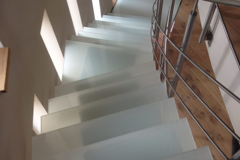 Escalier Limon central et verre 2