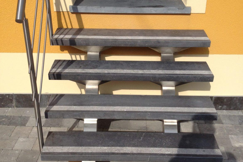 Escalier double limon central et pierre 2