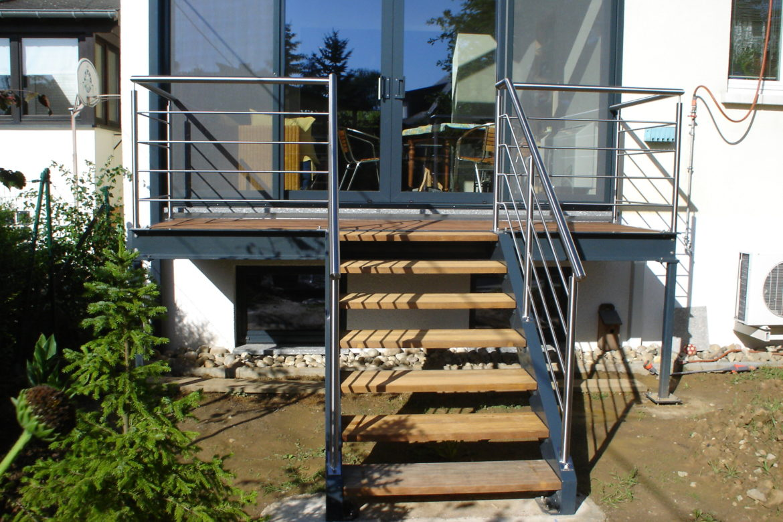 Escalier en alu et terrasse 1