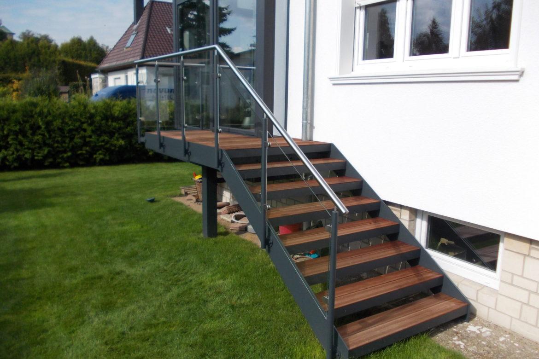 Escalier et terrasse extérieur en plat 2