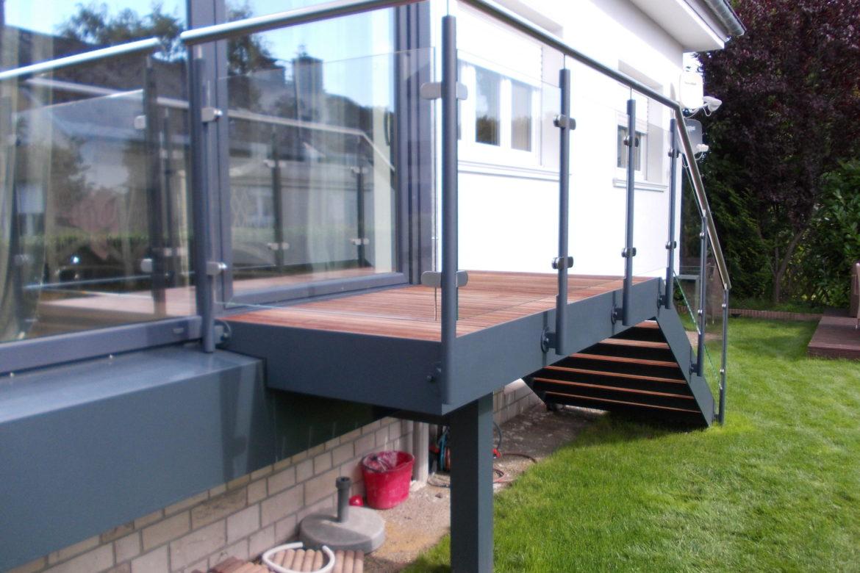 Escalier et terrasse extérieur en plat 3