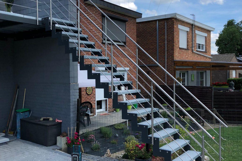 Escalier extérieur en crémaillère 3