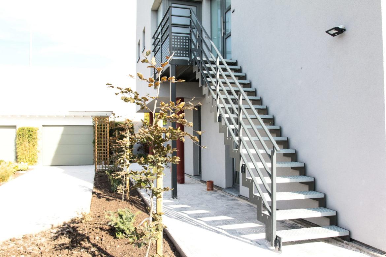 Escalier extérieur en crémaillère 4