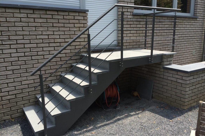 Escalier extérieur en crémaillère 5