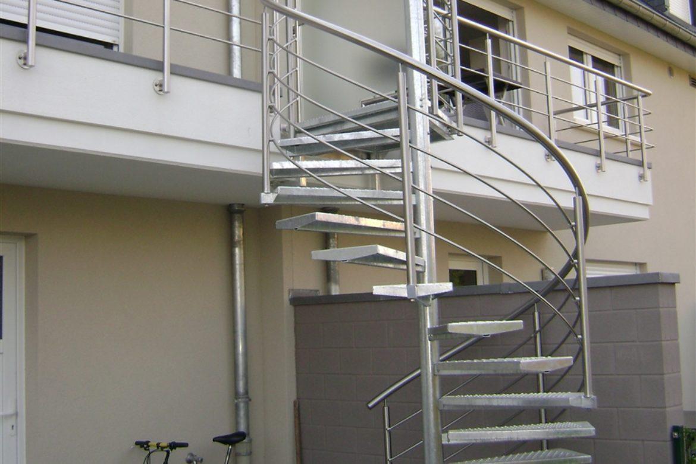 Escalier extérieur hélicoidal en galva 1
