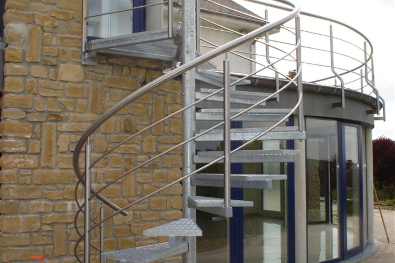 Escalier extérieur hélicoidal en galva