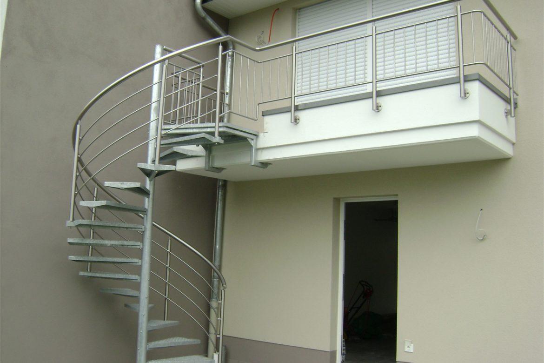 Escalier extérieur hélicoidal en galva 3