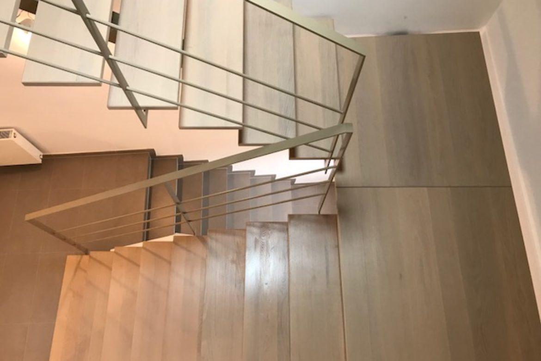 Escalier limon central et bois 1