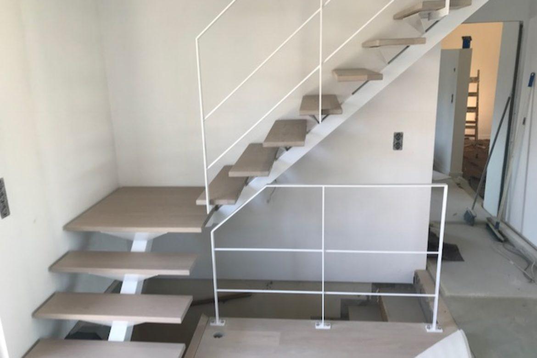 Escalier limon central et bois 2