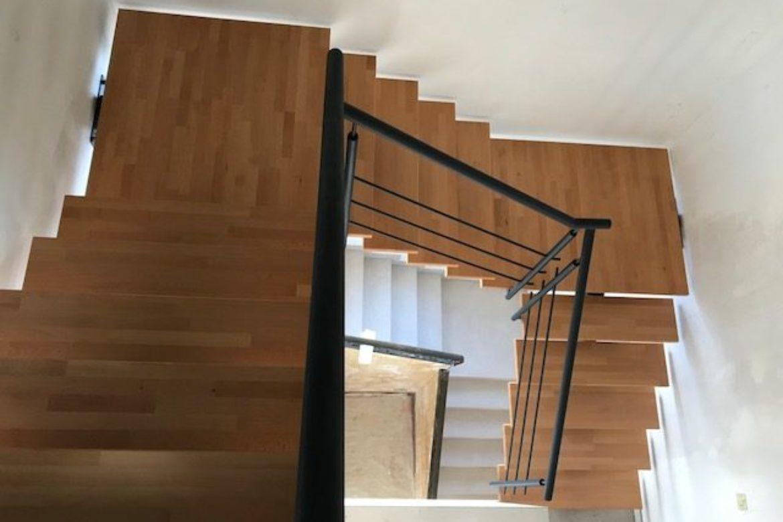 Escalier limon central et bois 3