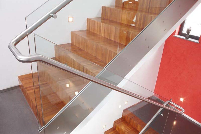 Verre sécurit sur escalier avec main courante 1